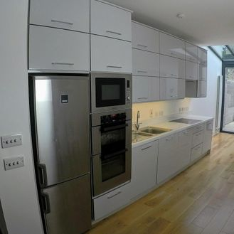 Contemporary Kitchens 15